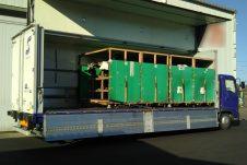 4tウイング自動車部品輸送トラックドライバー